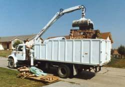 bulky-trash-truck